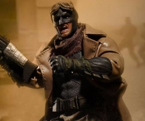 Постапокалиптический Бэтмен! Новая фигурка Темного рыцаря