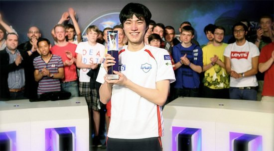 Профессиональный игрок в StarCraft 2 закончил карьеру ради школы - Изображение 1