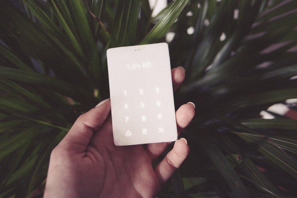 С Kickstarter выйдет самый тупой смартфон в мире. - Изображение 1