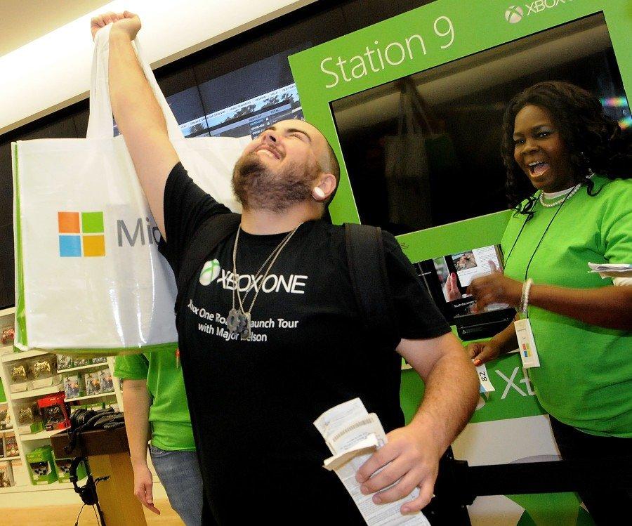 Xbox One снова превзошла PS4 по продажам в США. - Изображение 1