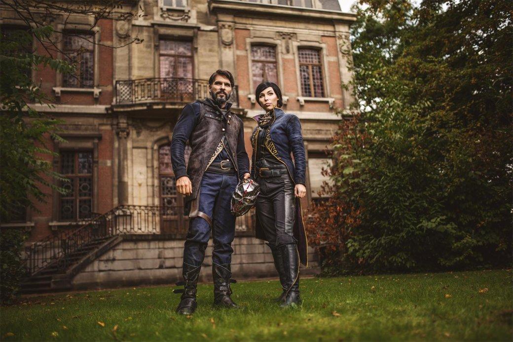 Косплей дня: Корво Аттано и Эмили Колдуин из Dishonored 2 - Изображение 1