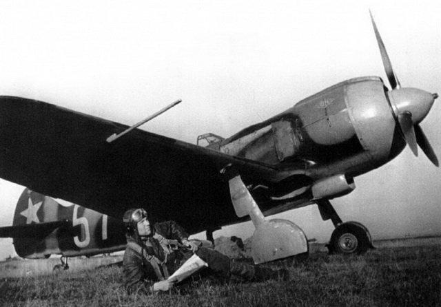 Летим, ковыляя во мгле: 5 великих советских летчиков. - Изображение 3
