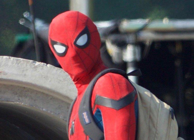 Новые фото «Человека-паука» показали Тома Холланда в полном костюме - Изображение 1
