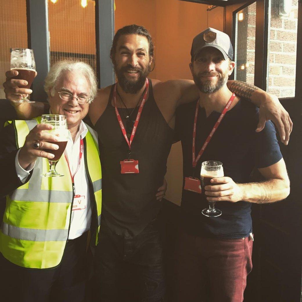 Аквамен купается в пиве: Джейсон Момоа получил свой сорт Guinness - Изображение 6