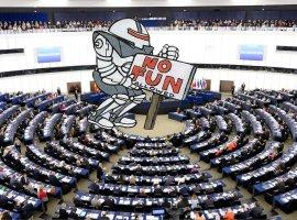 Европарламент принял новый закон окопирайте. ВИнтернете уверены, что он приведет к запрету мемов