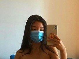 Блогерша сделала купальник измедицинских масок. Всети еераскритиковали