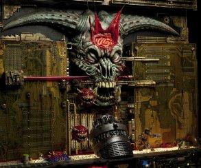 Художник построил последний уровень Doom 2 из хлама и печатных плат