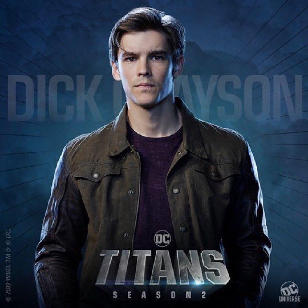 Новый взгляд наДика Грейсона (неРобина!), Рэйвен иСтарфаер напостерах второго сезона «Титанов»