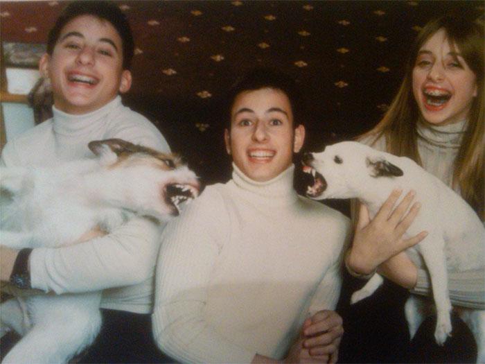 Галерея дурацких рождественских фотографий, которые испортили собаки | Канобу - Изображение 5912