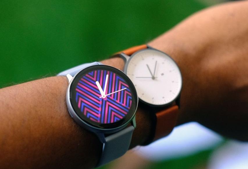 Смарт-часы Samsung Galaxy Watch Active 2получили сенсорный корпус иценник от18000 рублей | SE7EN.ws - Изображение 1