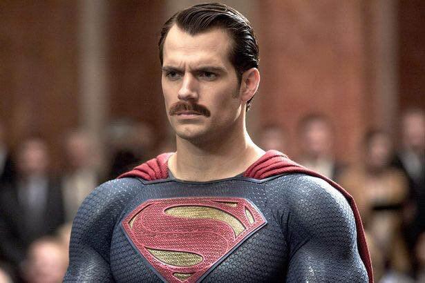 Усатый Супермен напересъемках «Лиги справедливости»!