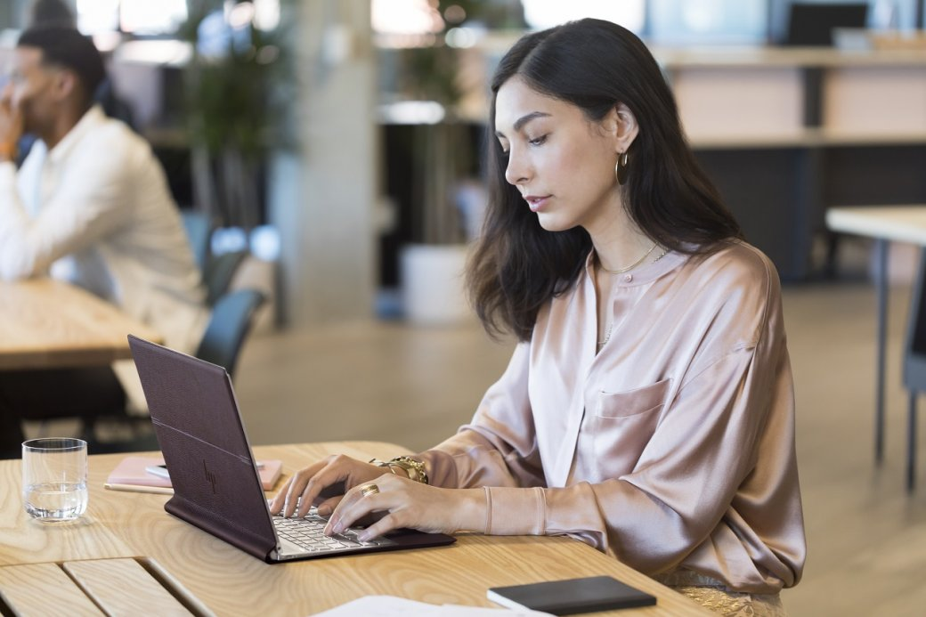 ВРоссии начались продажи кожаного ноутбука-трансформера HPSpectre Folio | Канобу - Изображение 8219