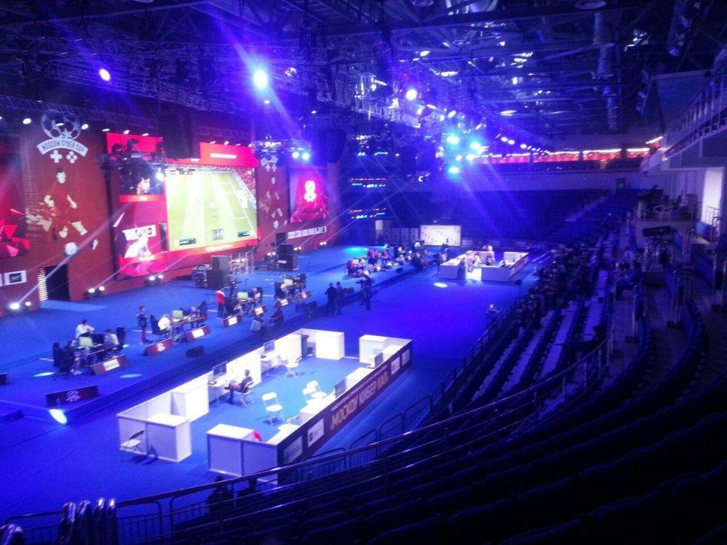 Намосковский турнир поFIFA 19 сбюджетом 30 млн пришло несколько человек, наTwitch 80 зрителей | Канобу - Изображение 0